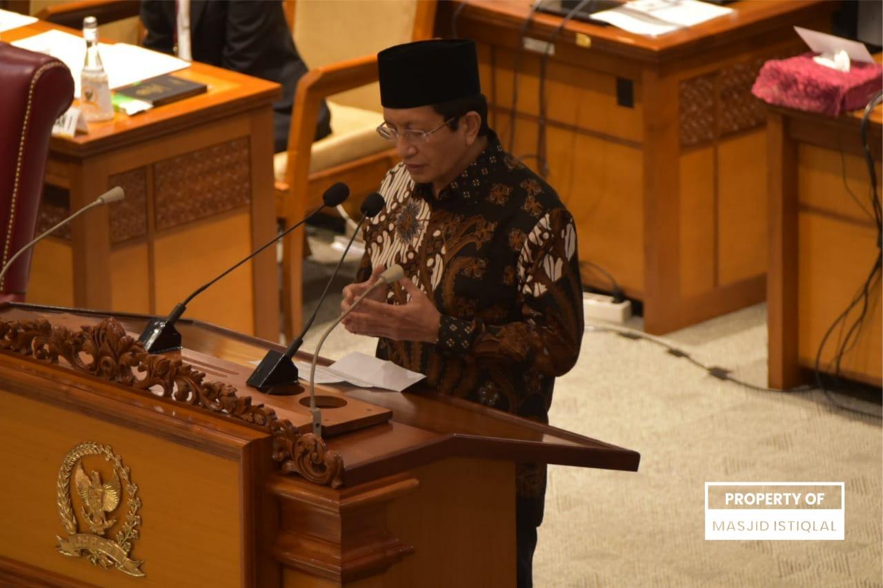 KH Nasaruddin Umar Panjatkan Doa pada Rapat Paripurna Memperingati HUT Ke-76 DPR RI