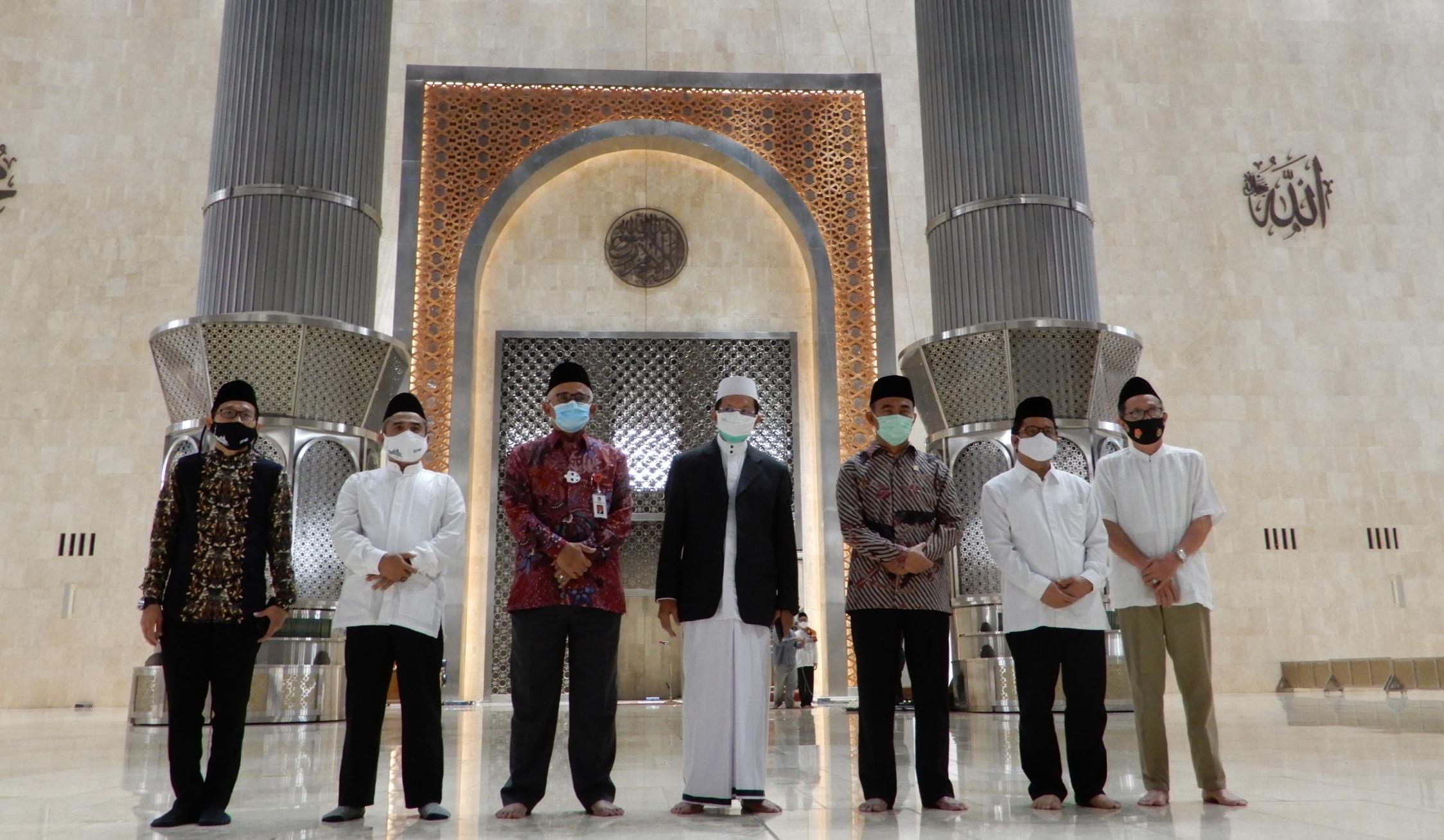 MENKO PMK Muhadjir Effendy Mengunjungi Masjid Baru Istiqlal