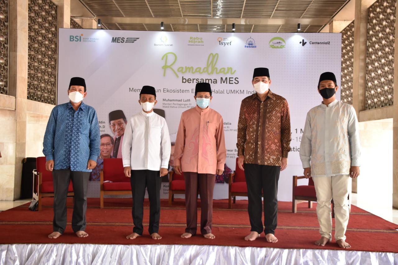 Imam Besar Istiqlal Beri Sambutan pada Ramadan Bersama MES
