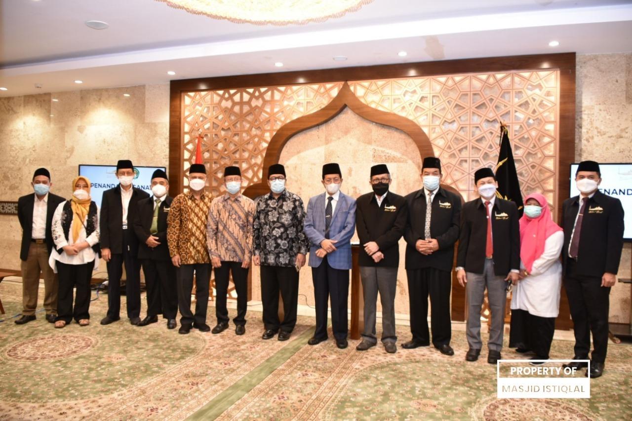 BPMI dan Institut PTIQ Jakarta Menandatangani MoU Pendidikan Kader Ulama (PKU) dan PKU Perempuan